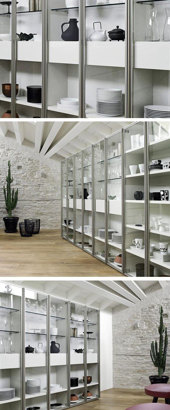 Das Moderne Bucherregal Mit Glasturen Ist Ein Flexibles Modulares System Mit Dem Sie Ihre Individuellen Wunsche Nach Mass Bestellen Konnen Home Decor Shelves