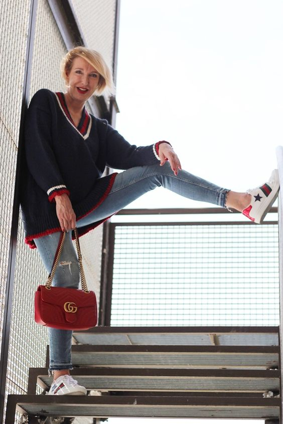 A fashionblog for women over 40 and mature women Sweater + Pants: Zara Sneaker + Bag: Gucci