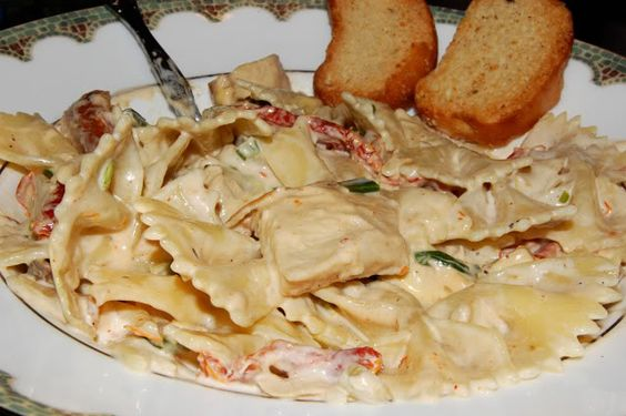 Spicy Romano Chicken Pasta. This is so delicious. Just a little spicy ...