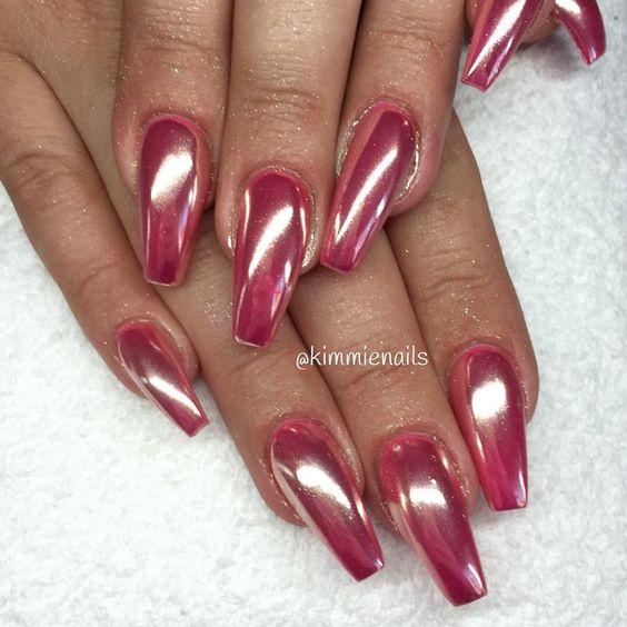 Chrome #naglar #nagelkär #nagelteknolog #naglarstockholm #nagelförlängning #uvgele #gele #gelenaglar #gelnails #nails #nailart #nailswag #lillynails #nailfashion #nailpassion #nailobession #nailextensions #dopenails #blingnails #passion #love #kimmienails #hudabeauty