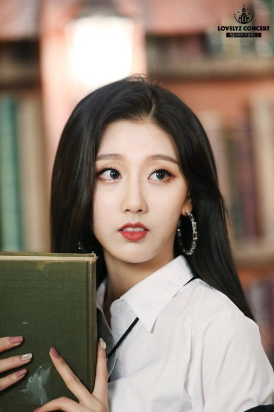 Pin By Ashlynn Lovitt On Yein Yein Lovelyz Kpop Girl Groups Kpop Girls