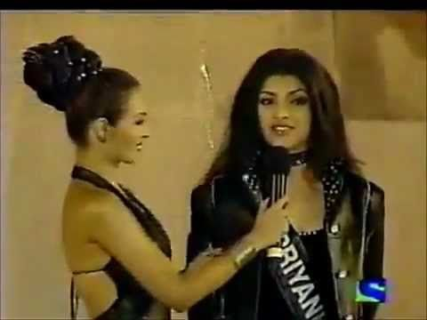 "Shahrukh Khan Proposes Priyanka Chopra in Miss World  2000 Contest ""Marr..."