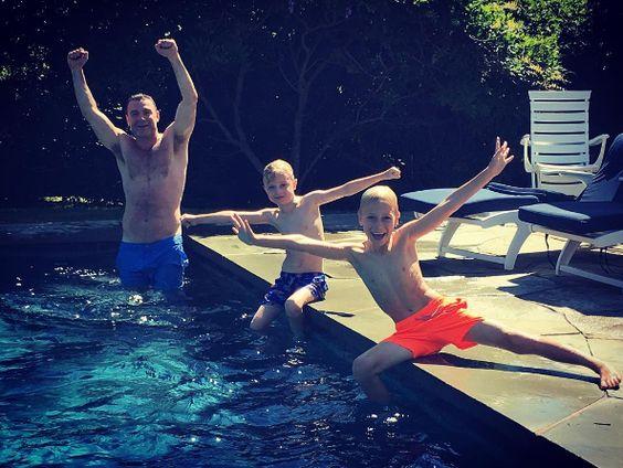 Liev Schreiber & Sons: Pool Pals - http://site.celebritybabyscoop.com/cbs/2016/08/07/schreiber-pool-pals #KaiSchreiber, #LievSchreiber, #NaomiWatts, #Pool, #RayDonovan, #SashaSchreiber, #SundayFunday