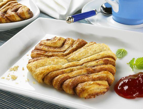 Franzbrötchen selber backen | http://eatsmarter.de/rezepte/franzbroetchen