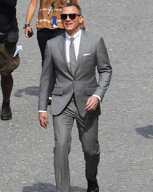 Daniel Craig Wear Tomford Suits Dailypost Danielcraig