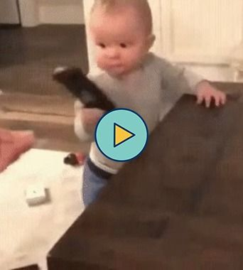 Tudo que esse bebê precisa é de um controle