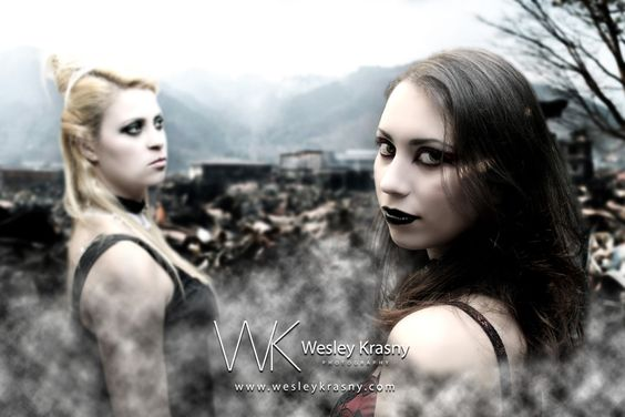 Witches Modelos: Dayane Almeida e Juliana Lima Make: Dayane Almeida www.wesleykrasny.com