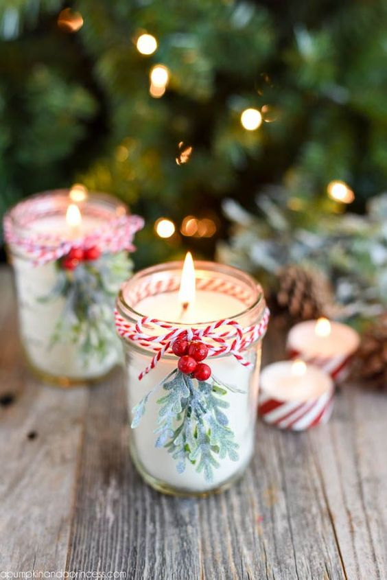 DIY Peppermint Candles - you won't believe how easy it is to make your own mason jar candles! These make a great Christmas gift idea!: