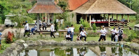 Outbound Bali – Program Mancing adalah sebagai bagian dari program relaksasi sebagai selingan agar susana lebih cair dari kekakuan suasana perkantoran. Kolam Pancing The Sila's Agrotourism ini disediakan bagi peserta outbound Bali