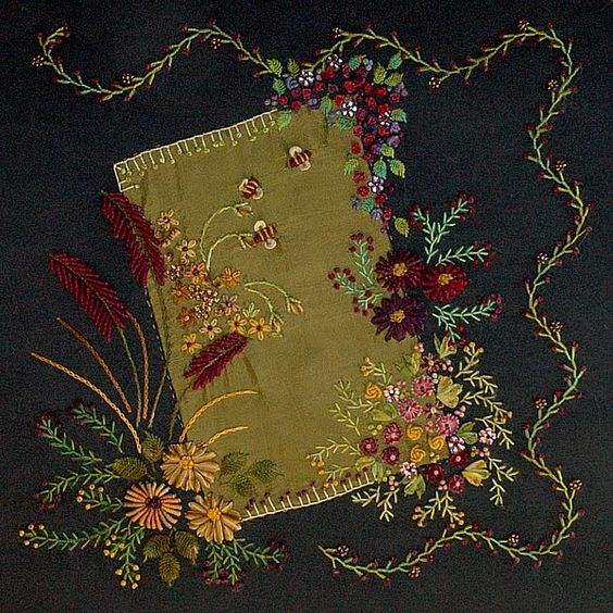 Gorgeous embroidery and colors.  CQ1: