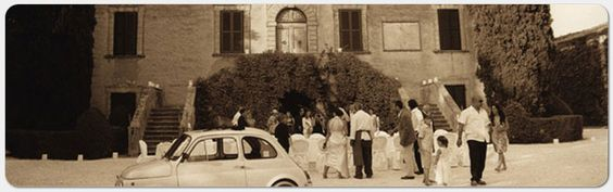 nothing like a vintage Fiat 500 and a 17th c. Tuscan villa for your wedding