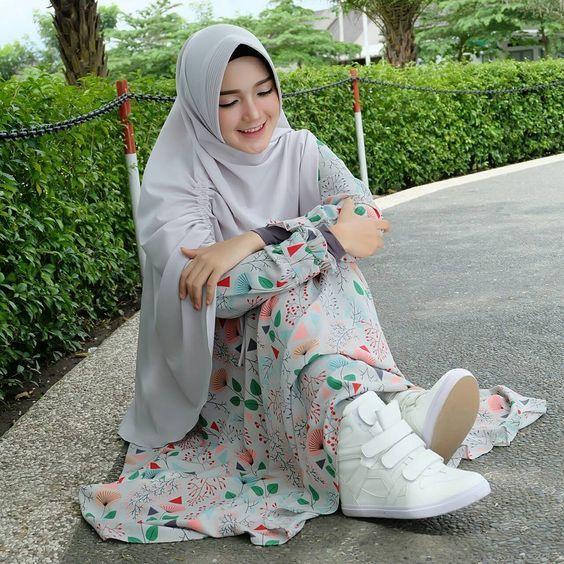Pin Oleh Fauzimz Di Angel Dengan Gambar Model Pakaian Muslim