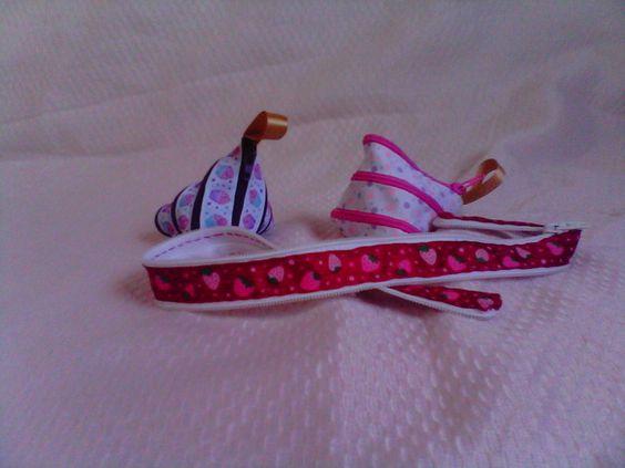 Um presente lindo e original. Porta moedas confeccionado com fita e zipper. R$ 10,00