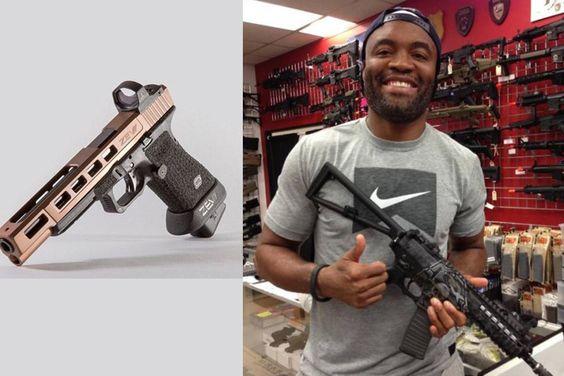Anderson Silva posta foto de armas, é criticado por seguidores