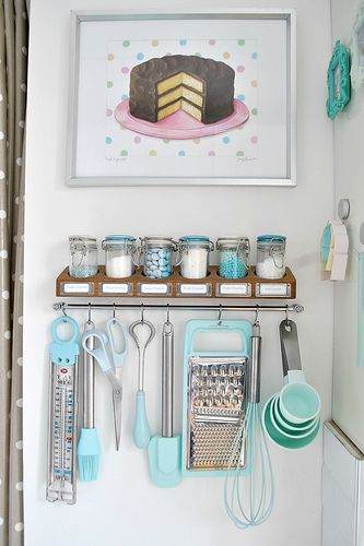 Love this little baking supply area! My baking supplies would take over this, but its cute!: