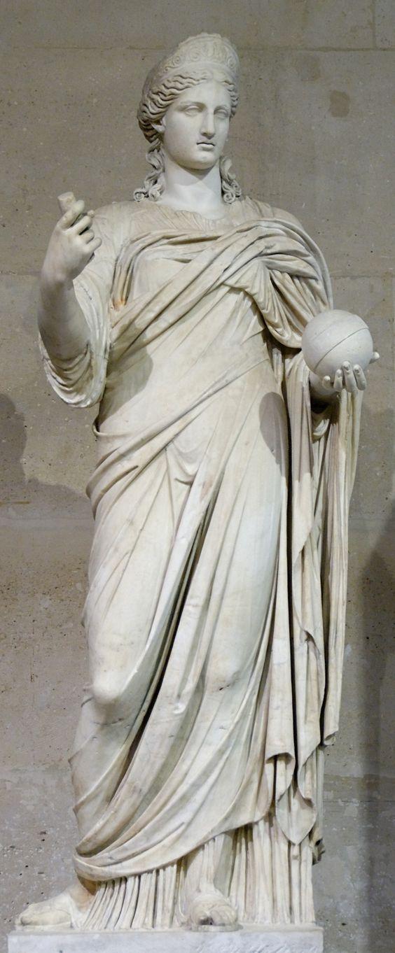 Estatua de Juno en el Museo del Louvre
