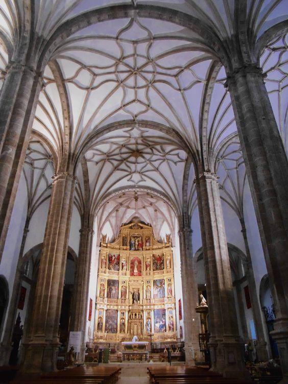 Iglesia de San Benito Abad. Nave y crucería ojival