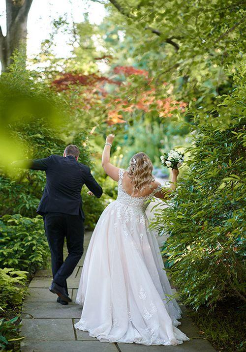 D2603 Ball Gown Wedding Dress By Essense Of Australia Weddingwire Com In 2020 Wedding Dresses Wedding Dress Patterns Ball Gown Wedding Dress