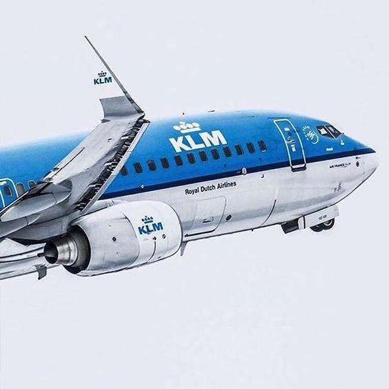 A Boeing 737 leaving. Picture taken by @planespotterpro #KLM #boeing737 Hotels-live.com via https://www.instagram.com/p/BFVnmNOkPz8/ #Flickr