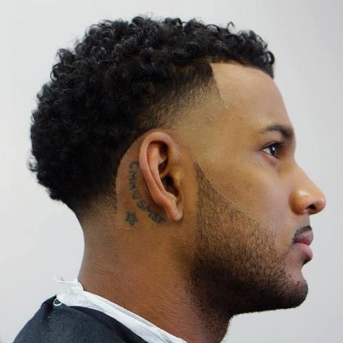 Appelez Le Un Fondu Temporaire Ou Un Temple Quelle Que Soit La Tendance Observee Coiffure Homme Style Cheveux Afro Homme Coupe Homme Cheveux Courts