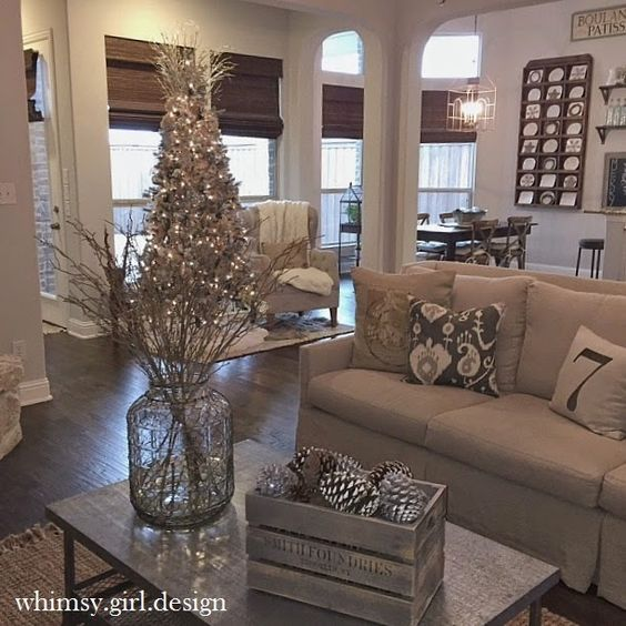 Whimsy Girl: Holiday House Walk {Part 1}: Linen Couch