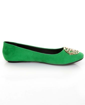 City Classified Quant Kelly Green Medallion Ballet Flats  $18.00 - gooooorgeous!