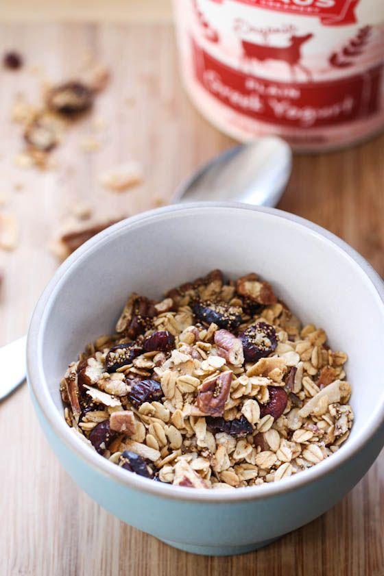 Oat and amaranth granola