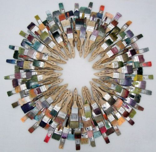 Trash to Treasure: 40 Creative Recycled and Repurposed Artworks on imgfave!!! Bebe'!!! Love this wreath made out of repurposed paintbrushes!!! So unique!!!
