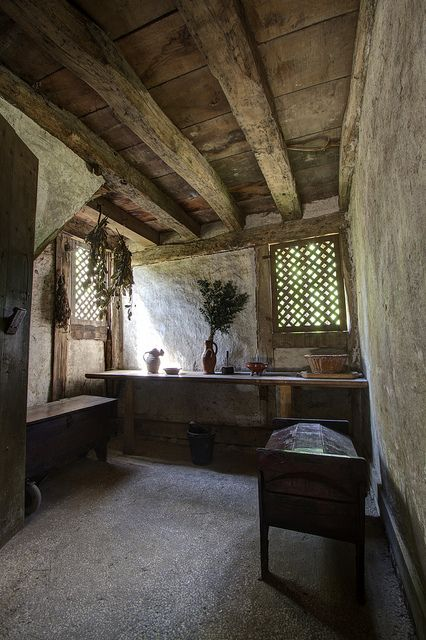 Weald || Interior