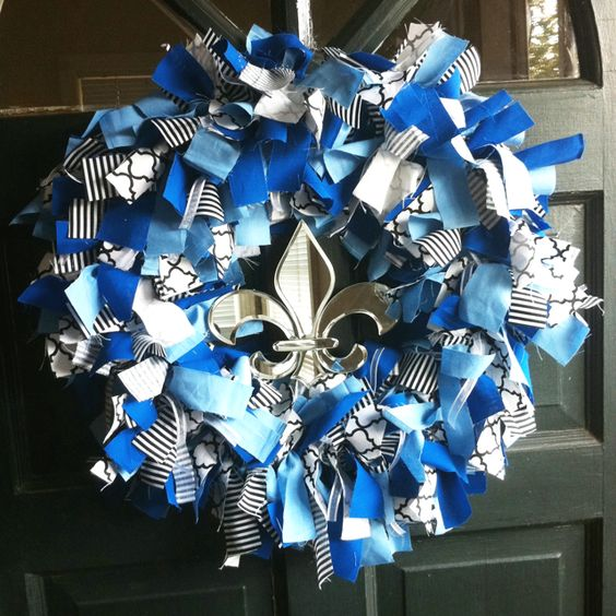 KKG Wreath. Just add a little gold in and some AXiD letters and you've got yourself an Alpha Xi Delta wreath.