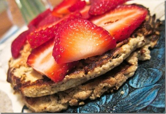 paleo pancakes with eggs, apple and cinnamon! (that's it)