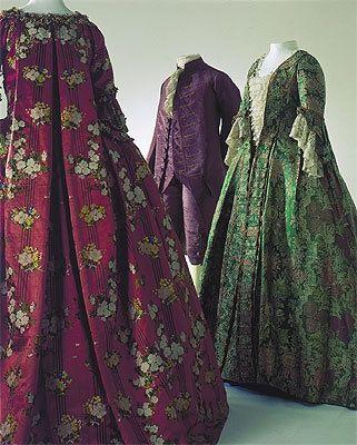 modemuseum 1890 | Ein Herren- und zwei Damenkostüme, 3. Viertel 18. Jhr ...