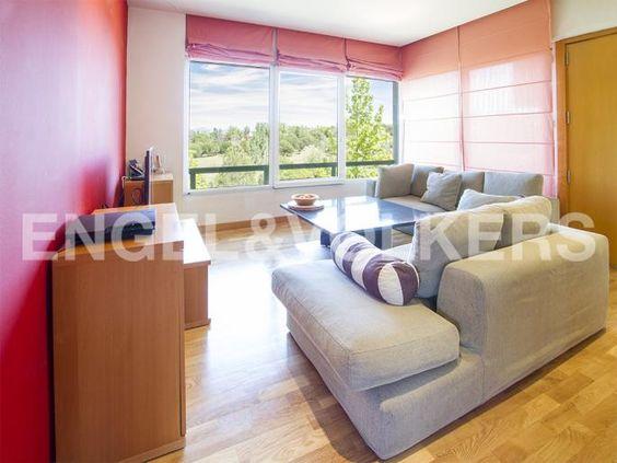 Calidad y original diseño con las mejores vistas Informe de Engel & Völkers | W-01YGN3 - ( España, Madrid alrededores, Boadilla del Monte, Las Lomas/Bonanza )