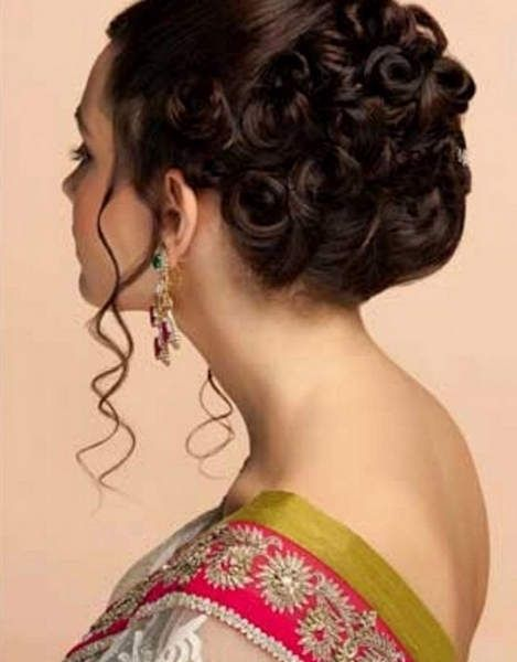 Tricks To Create Indian Wedding Hairstyles For Short Hair In Easy Ways Indian Wedding Hairstyles Short Wedding Hair Hair Styles