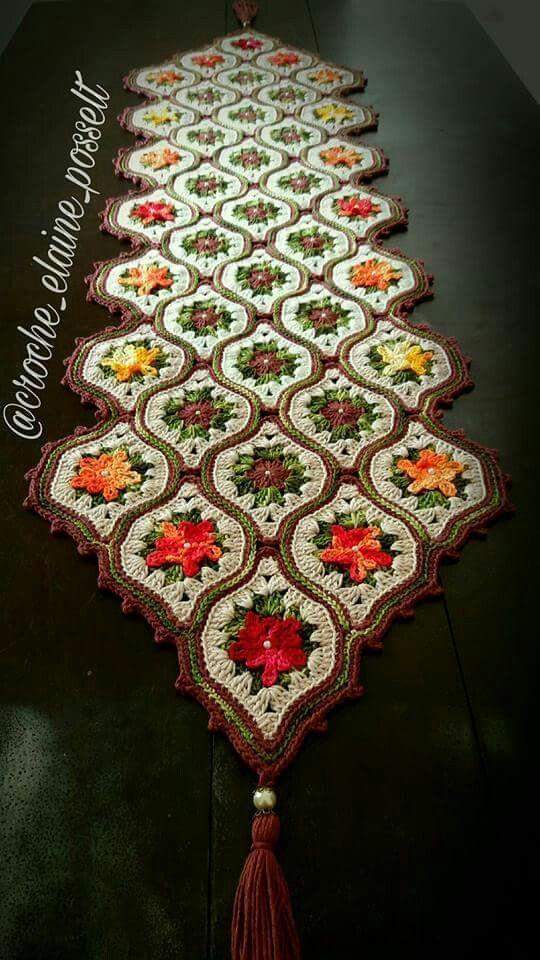 Square de croche para caminho de mesa