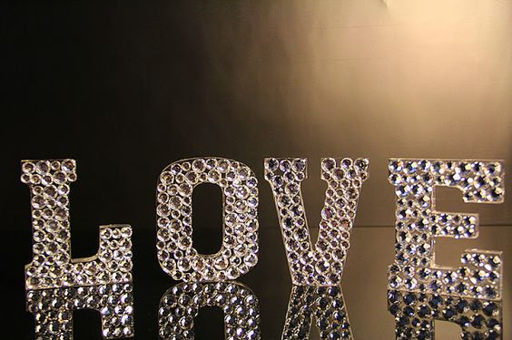 Love / Paste! (music video) | synoro news
