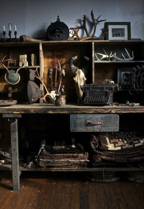 Sur le blog Dominique Décoratrice aujourd'hui, Mon petit cabinet de curiosité
