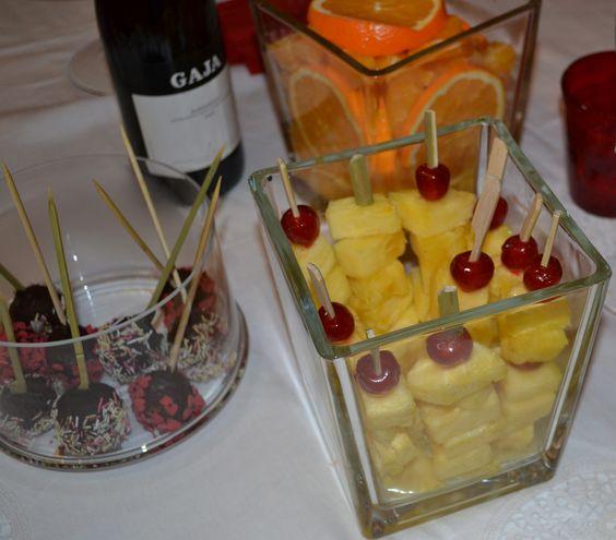 Frutta su bastoncini
