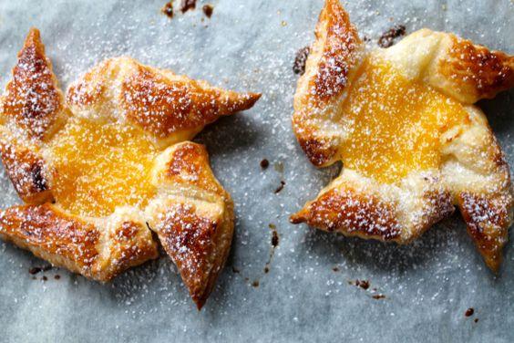Lemon curd puff pastry wheels