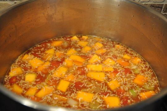 Kürbis-Kichererbsen-Suppe