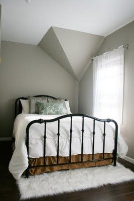 Dark wood floors and grey walls.... Just a perfect match