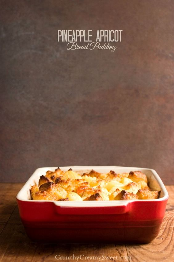 Pineapple Apricot Bread Pudding - fabulous fruity bread pudding with minimal prep time! So good and perfect for a weekend brunch!