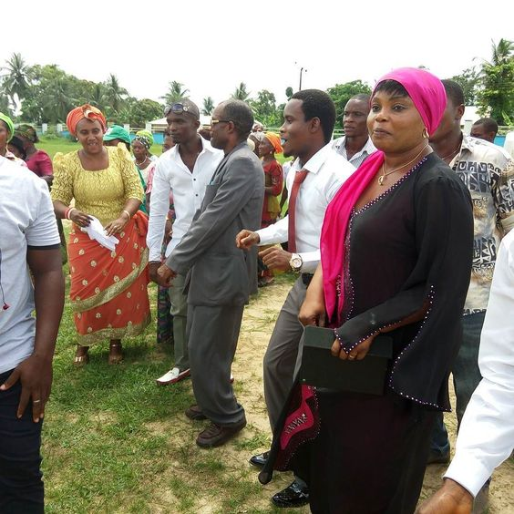 #OnnaPrays Happening now at Ikot Edor Primary School grounds massive crowd of Onna people troop out to pray for Onna Akwa Ibom and Nigeria .