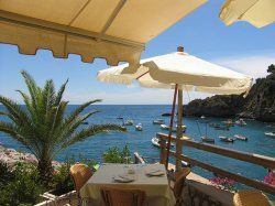 Conca dei Sogno... one of several great restaurants on the Amalfi coast best reached by boat. (For you, Claudia!)