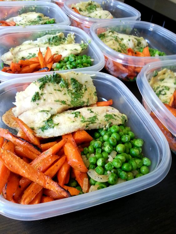 The star of this meal is the coconut tilapia, served with honey roasted carrots and green peas. Follow us on Instagram: @mybodymykitchen