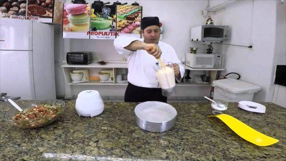 Marcelo Bellini ensina você a fazer uma deliciosa Torta de atum para o lanche, curta e compartilhe.