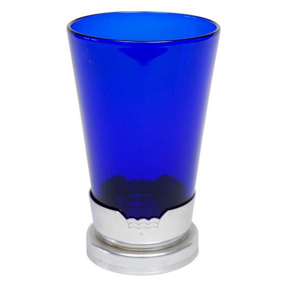 Blue glass vase in kensington stand blue unique and for Jardin glass vases 7 in