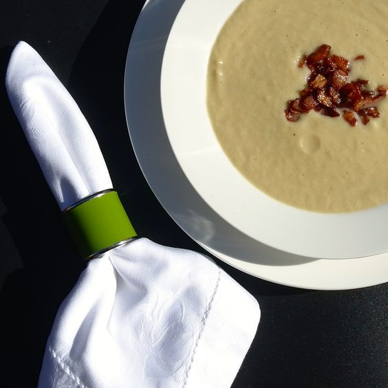 Cauliflower and Leek Soup With Crispy Bacon Bits