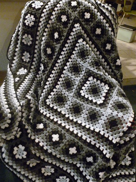 Wendy Blanket: Crochet Granny Square/Squares Blanket - uses 2 forms of granny square construction, to make a really neat design - several color variations.: