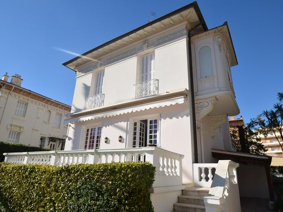 Luxury real estate in Beaulieu-sur-Mer France - Villa Ithaque - JamesEdition